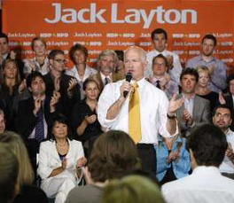 New Democratic Party leader Jack Layton speaks to supporters on Parliament Hill in Ottawa, September 14, 2009. REUTERS/Chris Wattie.