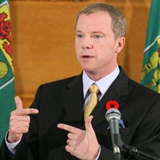 Saskatchewan premier Brad Wall, whose province has already made provisions to elect potential Senators, now seems to be backtracking on the project — just as Prime Minister Harper seems ready for yet another college try.