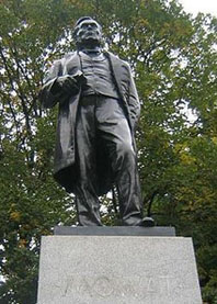 Statue of Oliver Mowat at Queen's Park in Toronto today. Will there also be a statue of Dalton McGuinty some day — or has Canada's most populous province finally outgrown such things? Photo by Nick Moreau.