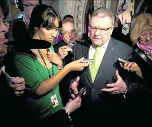 Liberal House leader Ralph Goodale, a key figure in the negotiation of the Afghan documents deal, speaks to reporters outside Canadian House of Commons, Friday 14 May 2010. Photo: Sean Kilpatrick / CP.