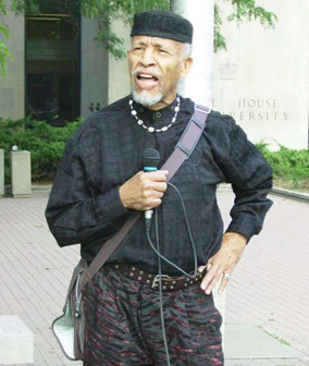 Charles Roach, outside court house in Toronto, 2007.