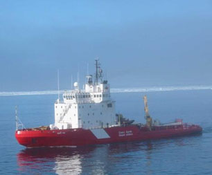 CCGS Terry Fox in the Northwest Passage in summer 2002. Photo: Dan Crosbie, Environment Canada.