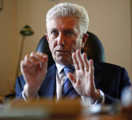 Gilles Duceppe speaks to journalists in his Ottawa office, March 25, 2010. Blair Gable for The Globe and Mail.